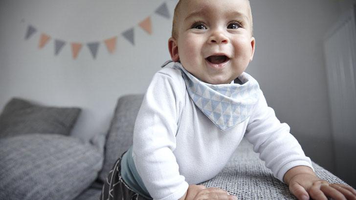 Halstücher für Babys und Kinder im skandinavischen Design