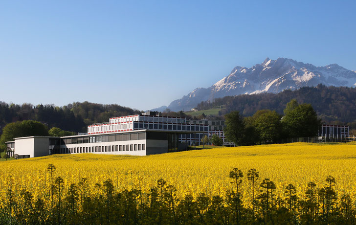 Kantonsschule Reussbühl Luzern Gebäude