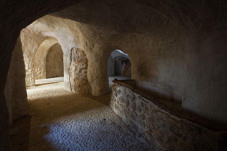 Grotte, San Benedetto in Perillis borgo d'Abruzzo