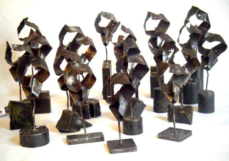 Vingt figurines - 2008   10 x 3 x 2 cm     Commande Compagnie des Matières Premières