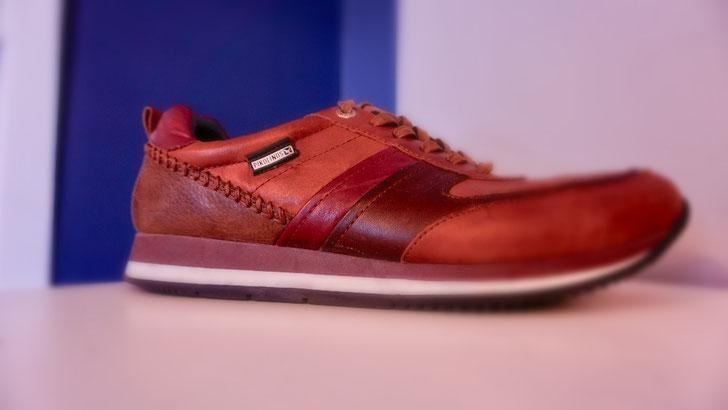 Sneaker in braunem Leder Herren nach der Reparatur