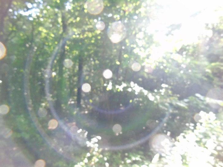 Blicke in eine andere Welt, Kristallkugeln, die vom Himmel fallen....www.lichtwesenfotografie.com