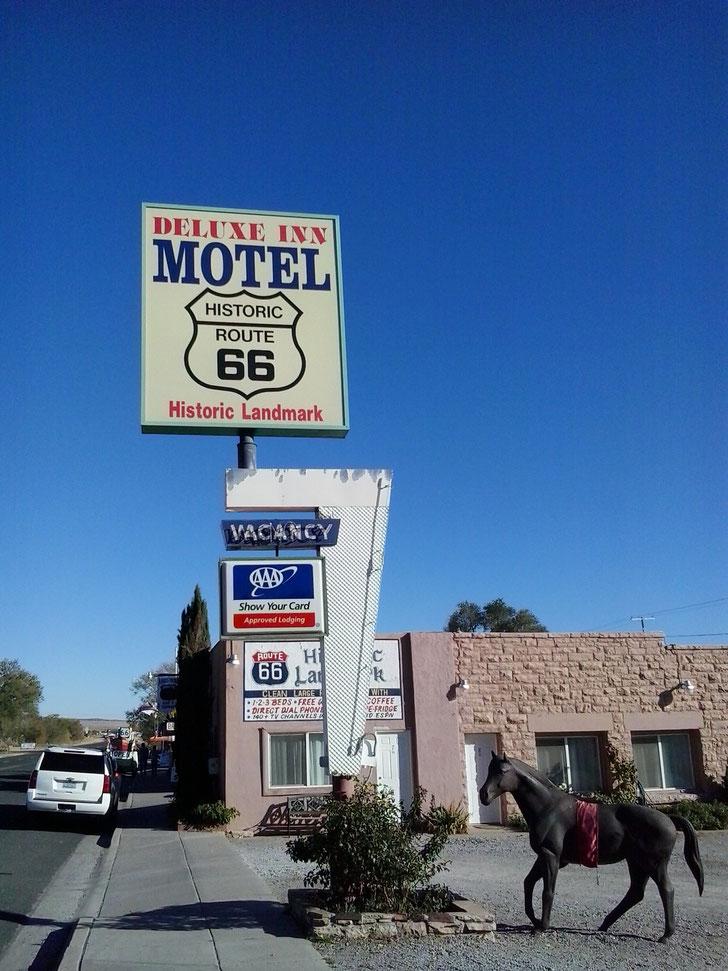 Bild: HDW-USA, Highway, Route 66, Amerka, Mister T. und der Weiße Büffel, Seligman