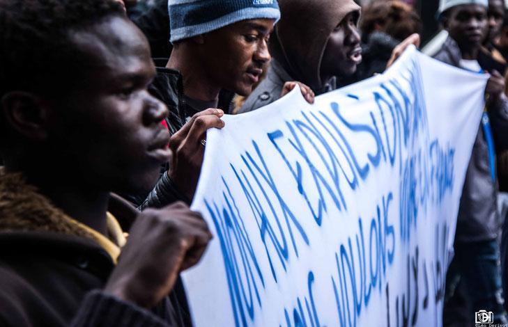 Manifestation soutient au migrants de porte de la Chapelle Paris 2017 Léo Derivot Photographe