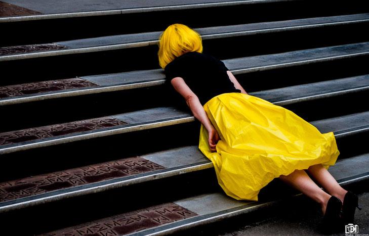 Street-photographie Femme aux escaliers, Paris, 2016 Léo Derivot Photographe