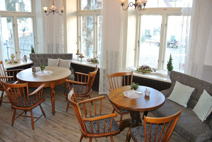 Dom Cafe Meldorf: Sitzecken