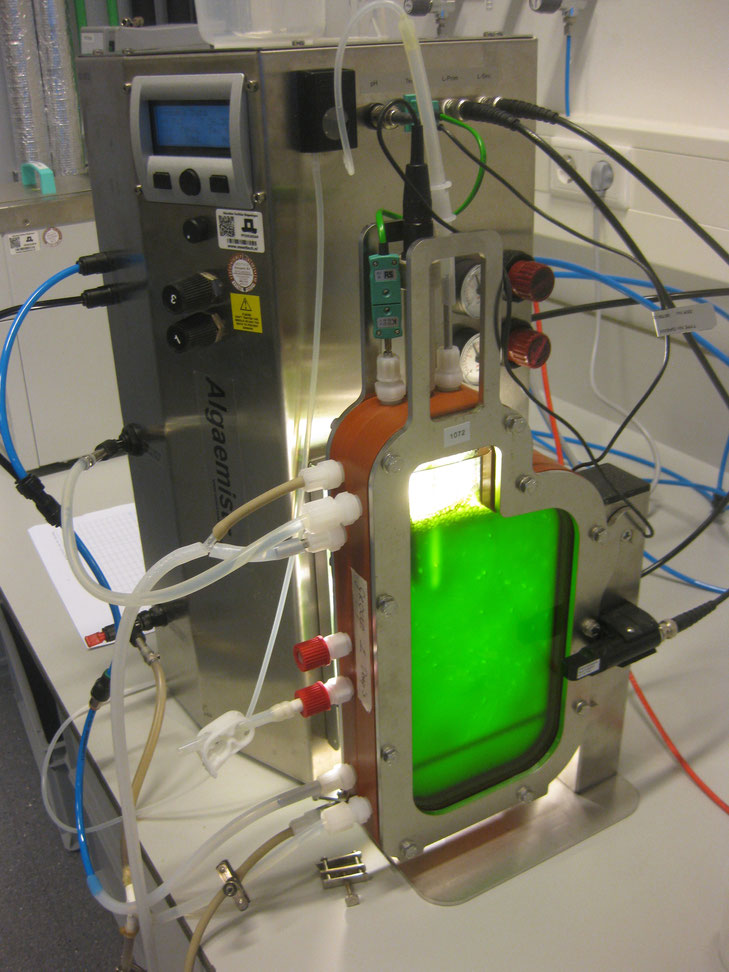 "Photo-Bio-Reactor (PBR) the ""Algaemist"""