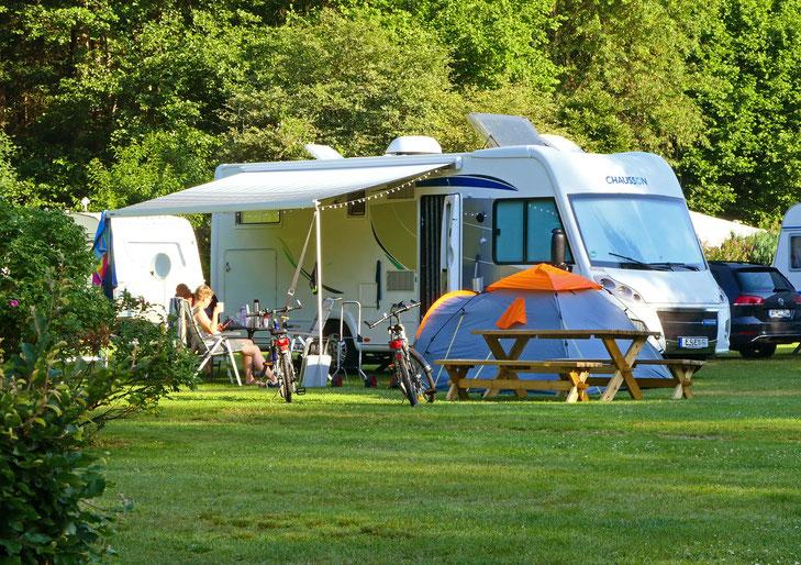 Oertzewinkel Camping - mitten im Grün, wunderschön
