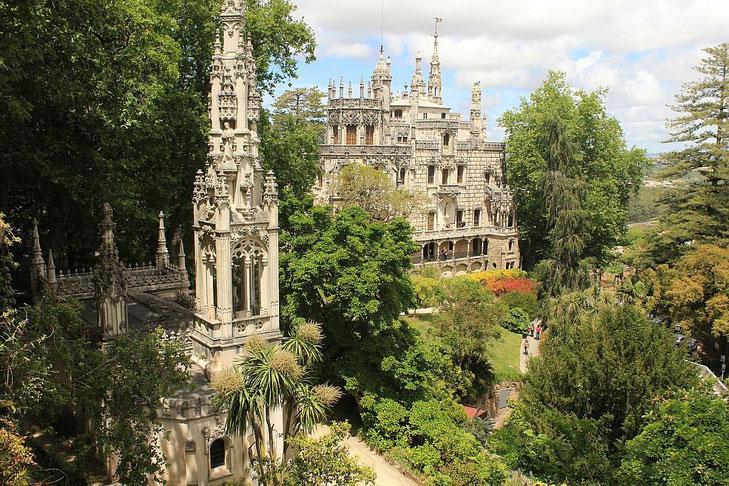 Sintra Quinta da Regaleira - Palast in üppigem Garten