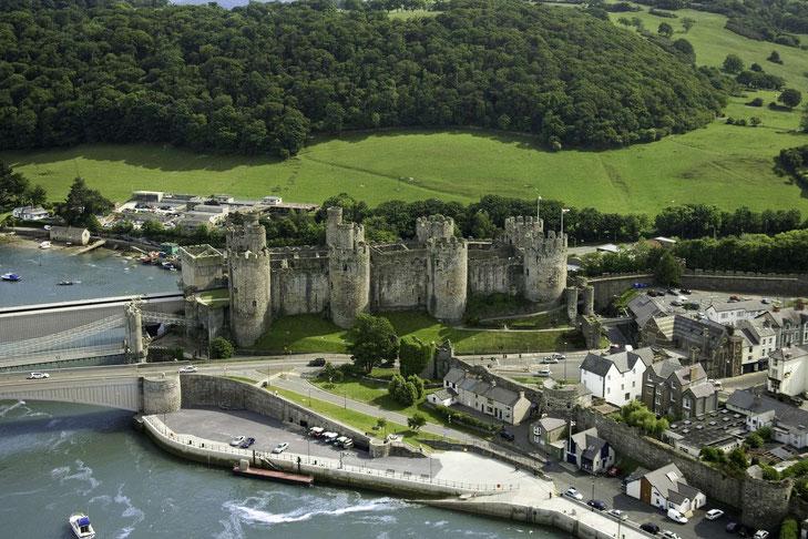 Luftbildaufnahme des Conwy Castles © Crown copyright (2019) Cymru Wales
