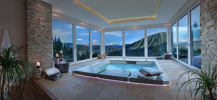 TERRA – A MAGIC PLACE, Spa Bereich mit Panoramablick / ©Auener Hof