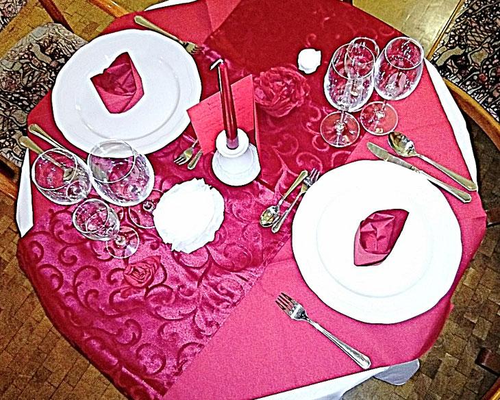 Valentin red Rote Tischdecke