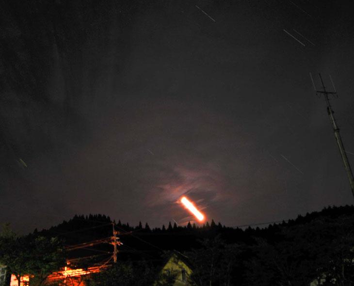 ペルセウス座流星群 月が沈む / スリープキューブ和多屋