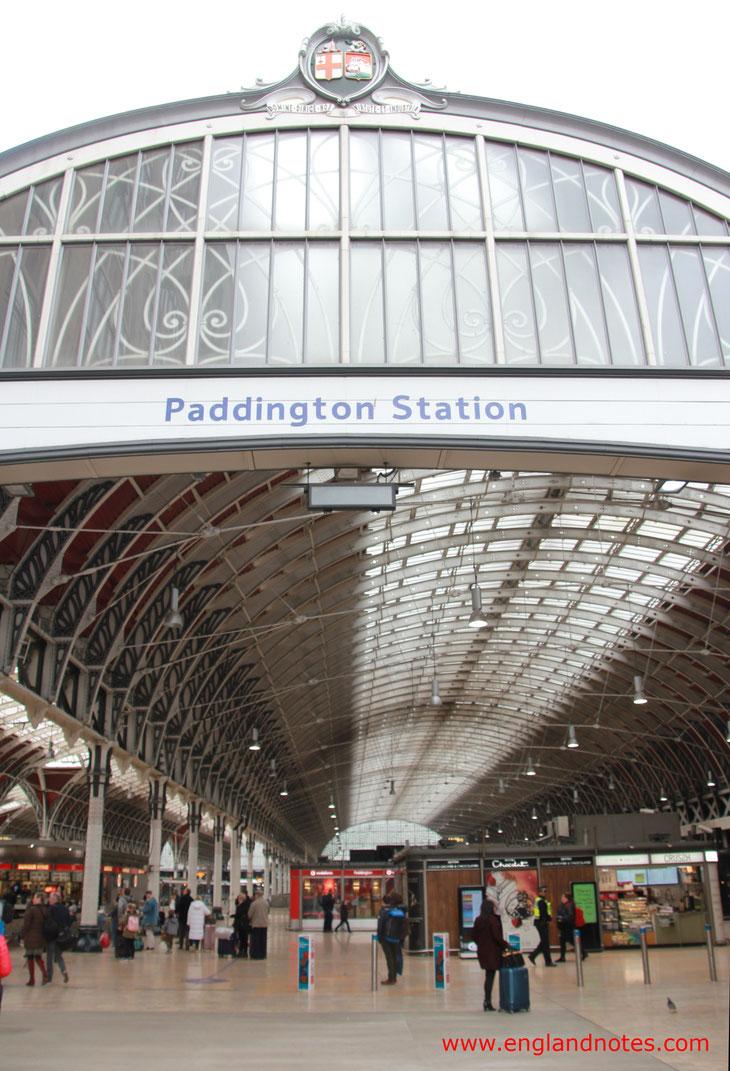 Mit dem Zug durch England reisen: Bahnhof Paddington in London