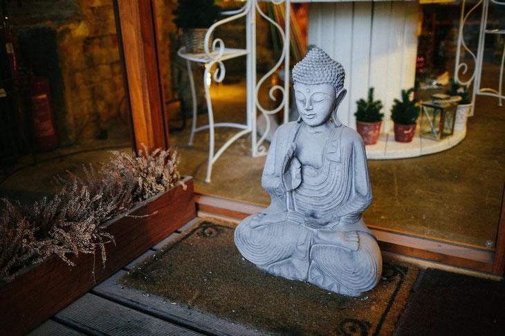 Statue de Bouddha méditation