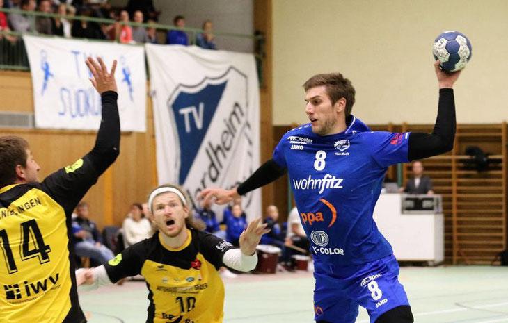 TVH bezwingt dank starker Abwehrleistung den TV Knielingen und führt weiter Tabelle an / Dyszy wird zum Spielertrainer