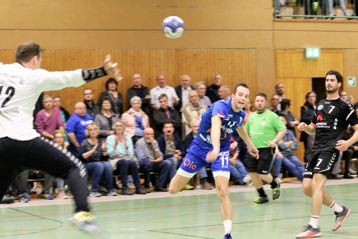 170 Zuschauer dürfen das erste Heimspiel der Saison gegen den Titelfavoriten Heidelsheim/Helmsheim verfolgen