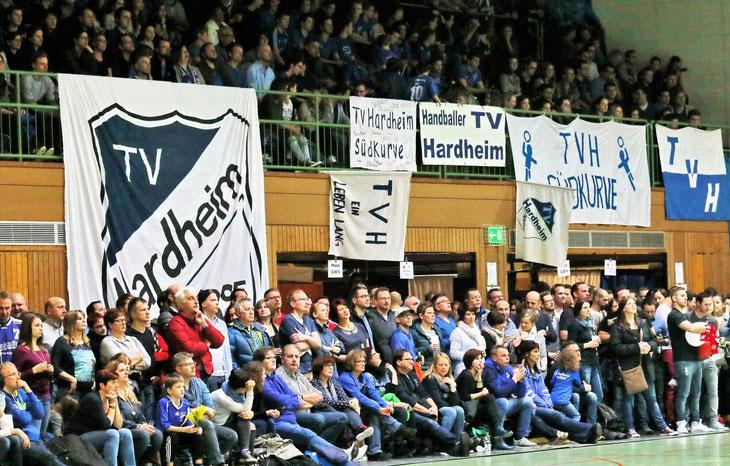 """""""Handball lebt von der Atmosphäre in der Halle"""", sagt TV-Abteilungsleiter Manfred Dörr. So dicht gedrängt wie in Vorjahren können Fans ihre Lieblingsspieler zwar nicht anfeuern, aber immerhin hat der Verein mit seinem Hygienekonzept Geisterspiele abgewend"""