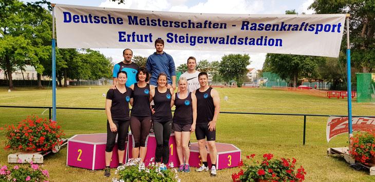 Die beiden Bundesligamannschaften von RKS Phoenix Mutterstadt (Damen und Herren) am 21.07.2019 in Erfurt.