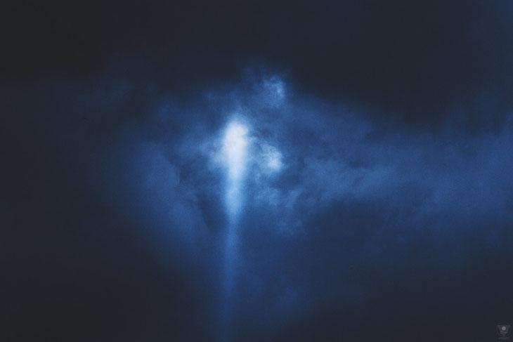...and suddenly there was light, screaming the dark away.  | pantone classic blue 2020 VISOVIO  | www.visovio.de