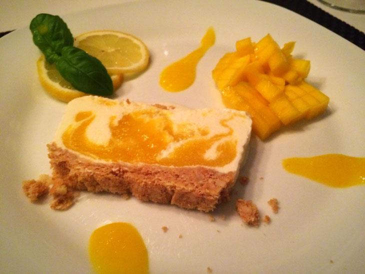 Frozen Mango-Cheesecake - Pi mal Butter Mädchenvöllerei