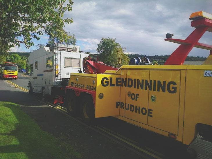 bigousteppes camion mercedes dépanneuse route
