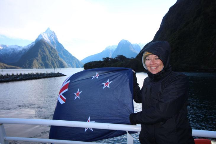 Weltreise Reiseblog Tipps und Tricks Neuseeland Südinsel Nordinsel Milford Sound Te Anau Queenstown Winter Eis Schnee Roadtrip Camper Jucy Britz Camping Maui