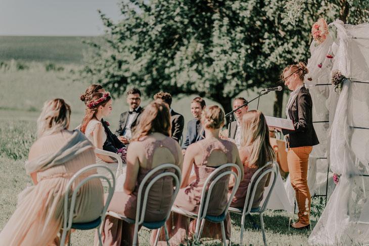 Traurednerin Odenwald Trauredner Odenwald Freie Trauung Odenwald Hochzeit im Odenwald Heiraten im Odenwlad Hochzeit in der Natur kleine Hochzeit Traurednerin
