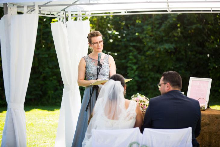 Traurednerin Pfalz Trauredner Pfalz Hochzeitsrednerin Pfalz Hochzeitsredner Pfalz Freie Trauung Pfalz Hochzeitszeremonie Pfalz Hochzeit Pfalz Hotel Darstein