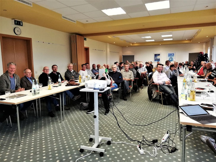 Es wurden wichtige Entscheidungen auf der Mitgliederversammlung der SFG Wershofen getroffen. Zahlreiche Mitglieder kamen zur Versammlung. Foto: Hubert Raaf