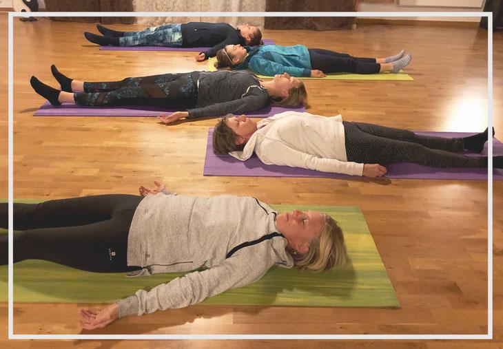 Bild: Yoga Nidra_der Schlaf der Yogis_Erholung_Schlaflosigkeit_Müdigkeit_Stress_Burnout_Schwangerschaft_Sundry-Yoga_Thun_Gwatt