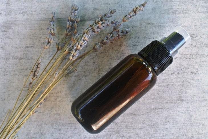 Raumspray selber machen - mit Lavendel