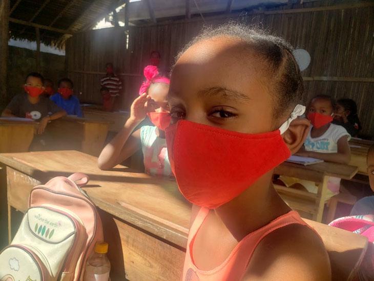 新型コロナ対策でマダガスカルの子どもたちに洗って使えるマスクを支援