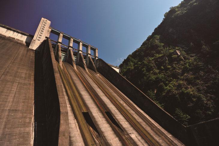 佐久間ダム(天竜区佐久間町)水力発電350MW