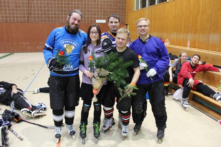 So sehen Sieger aus: Herzlichen Glückwunsch zum Gewinn des Lange-Nacht-Pokals