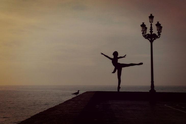 ballerina ballet.