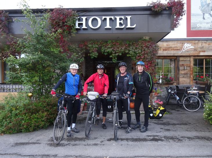 Auf dem Bild von links nach rechts: Reiner, Harry, Werner, Jürgen