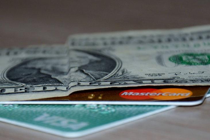 cartes bancaires - tour du monde