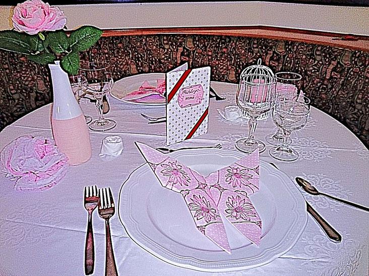 rosa Tischedecke Tischdekoration Schmetterlinge Servietten