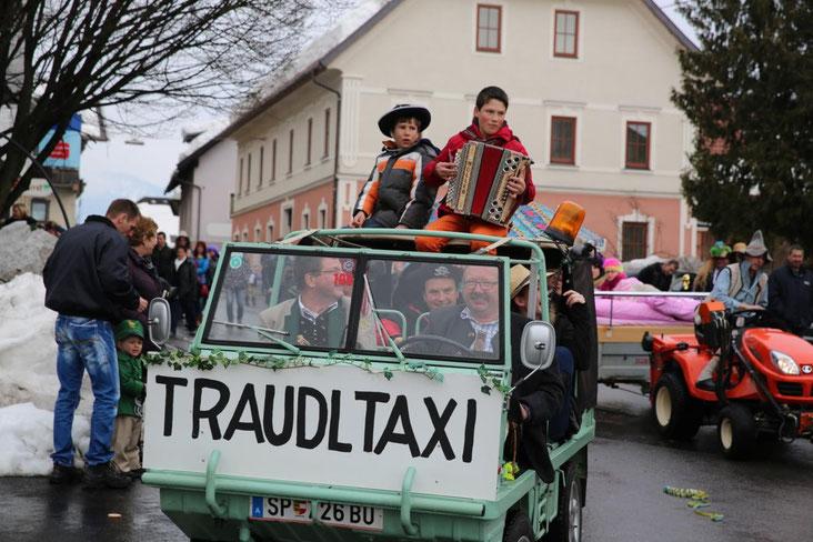 """auch das """"Traudl-Taxi"""" mit unserer Stopper Traudl im hier nicht sichtbaren Anhänger durfte nicht fehlen"""