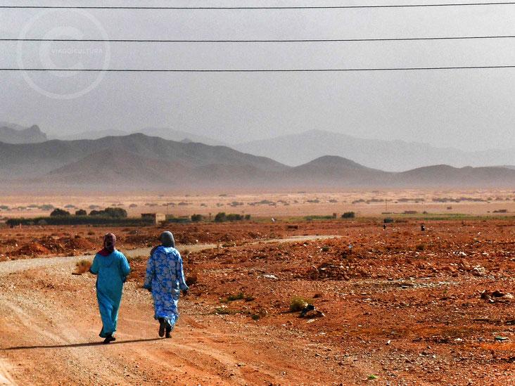 Bouarfa (Marocco), confine con l'Algeria