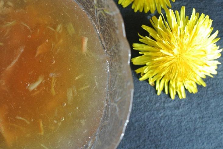 Gelee oder Marmelade aus Löwenzahnblüten machen