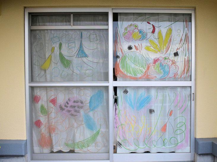 落書きです。今の家だと大きい作品は描けないので、かなりスッキリしました。