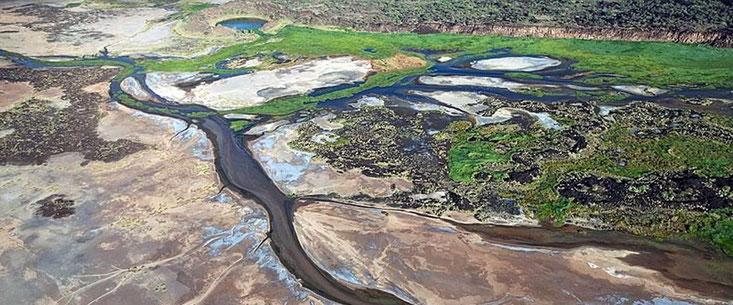 La Suguta Valley con fiumi stagionali e paludi.