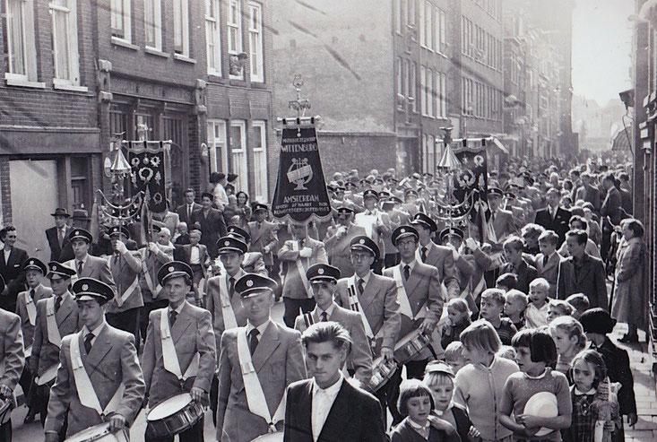 MGW in de Grote Wittenburgstraat (1955)