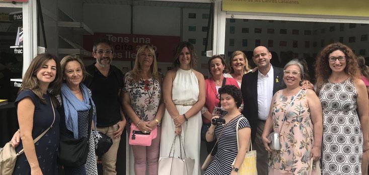Foto trobada Quellegistes.... Noemí Martínez (esquerra) Ester F. Matalí (centre) Joan-Elies Adell (tercer per la dreta) i més!