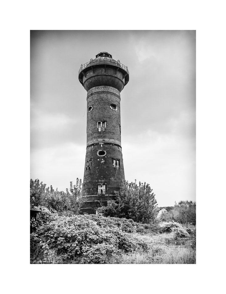 Wasserturm in Duisburg...........
