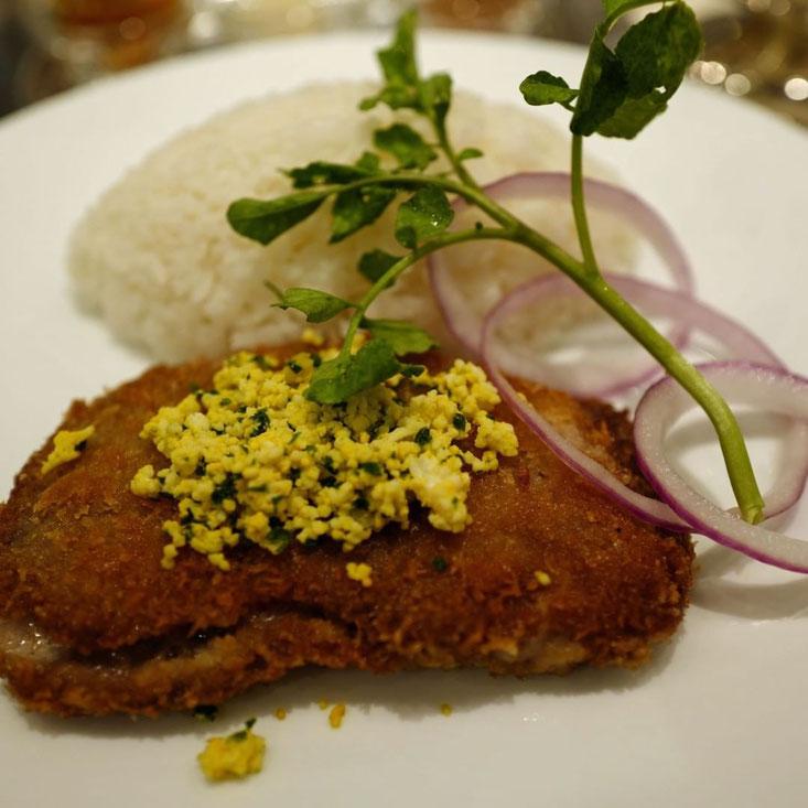 写真: 帝国ホテル パークサイドダイナーのイベリコ豚のカツカレー