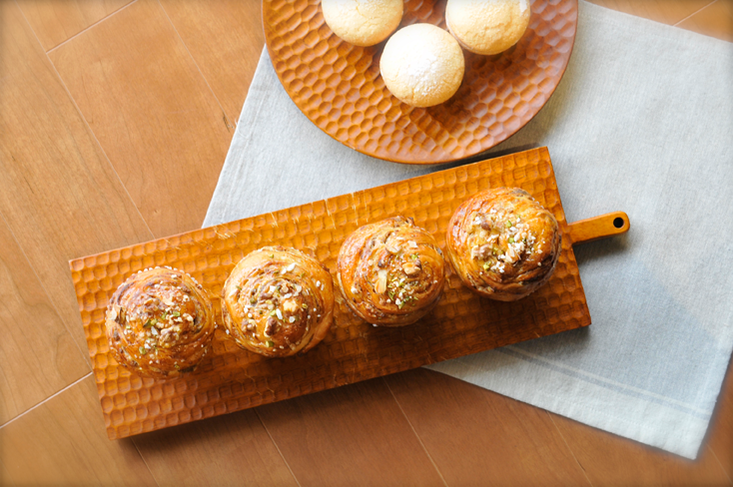 話題のパンとスイーツを同時にレッスン パン教室&お菓子教室のメニューを同時に作る自分のペースで通えるお教室┃愛知県 常滑市 手作りパン&スイーツスタジオKumakko(クマッコ)、焼き上がりの香りもおいしい