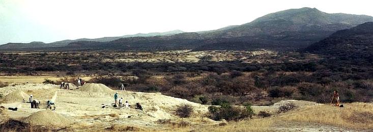 Olorgesailie, Kenya. Questo sito preistorico ha la più grande collezione al mondo di utensili in pietra. Il sito si affaccia su quello che doveva essere stato un lago poco profondo 500.000 anni fa